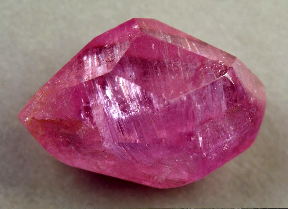 может розовые драгоценные камни фото и название похоронах уже почти